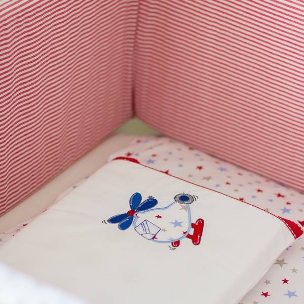 Nursery linen, decor and accessories